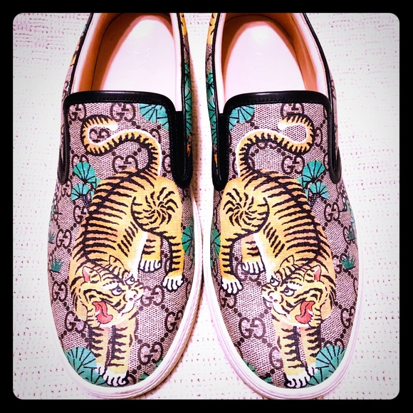 b00f54d1f0d Gucci Other - GUCCI BENGAL TIGER GG Supreme Slip On Sneakers